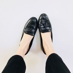 Etienne Aigner leather flats